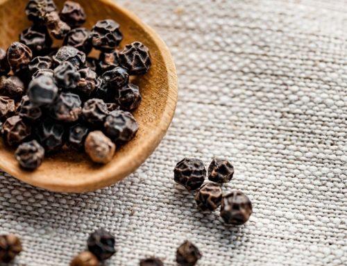 Extracto de pimienta negra; propiedades antiinflamatorias y beneficios.